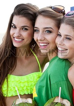 Mùa hè ảnh hưởng thế nào đến da và tóc?