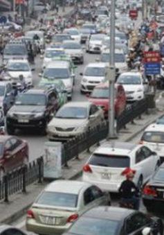 Thuế, phí chiếm đến 50% giá ô tô tại Việt Nam