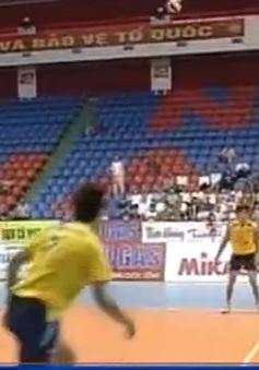 Giải bóng chuyền VĐQG 2015: XSKT Vĩnh Long thắng ngược dòng