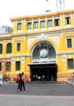 TP.HCM: Người dân phản đối màu sơn mới của Bưu điện Thành phố