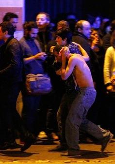 Nhân chứng kể lại giây phút kinh hoàng sau khủng bố đẫm máu ở Paris