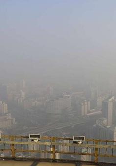 Bắc Kinh nâng cảnh báo ô nhiễm khói bụi lên mức cao nhất