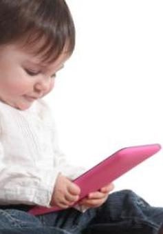 Làm gì khi trẻ đam mê thiết bị thông minh?