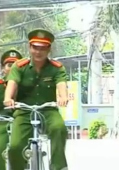 Cảnh sát Đồng Tháp đi tuần tra bằng… xe đạp