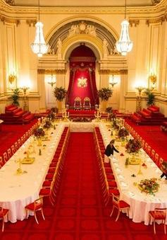 Chiêm ngưỡng cuộc sống xa hoa bên trong cung điện hoàng gia Anh