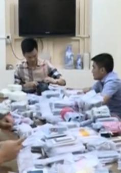 Quảng Ninh: Thu giữ gần 1.000 điện thoại nhập lậu giấu trong container