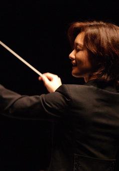 Đắm mình vào những bản giao hưởng bất hủ với nhạc trưởng Kanako Abe