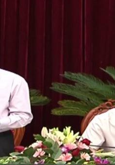 Đồng chí  Lê Hồng Anh kiểm tra công tác chuẩn bị Đại hội Đảng các cấp