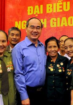 Đồng chí Nguyễn Thiện Nhân gặp mặt cựu thanh niên xung phong các thời kỳ