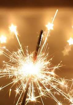 Tai nạn do đốt pháo liên tiếp xảy ra trong đêm Giáng sinh