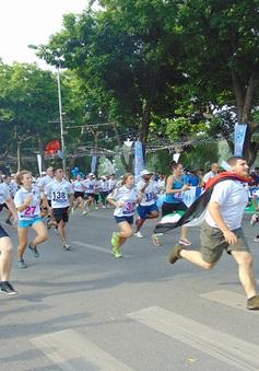 Gần 1.300 người tham gia chung kết Giải chạy Báo Hà Nội Mới 2015