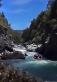 Argentina: Du lịch điêu đứng vì núi lửa Calbuco phun trào