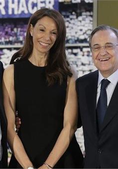 """Vợ Rafa Benitez: """"Chúng tôi đang dọn dẹp mớ hỗn độn của Mourinho"""""""