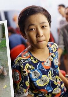 Gương mặt thân quen nhí 2015: Gia Quý bắt chước hình ảnh giản dị của Hoài Lâm