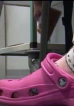 Giày thông minh ngăn chặn nhiễm khuẩn trong bệnh viện