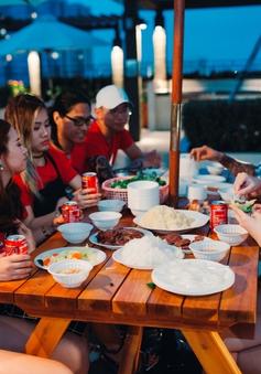HLV Tuấn Hưng và học trò nướng thịt trước vòng Liveshow