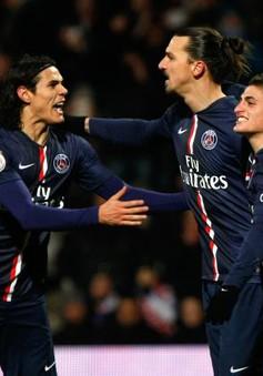"""PSG """"kìm chân"""" Lyon nhờ quả penalty gây tranh cãi của Ibra"""