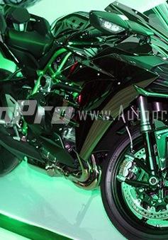 """Cận cảnh """"hàng khủng"""" Kawasaki Ninja H2 chính hãng tại Việt Nam"""