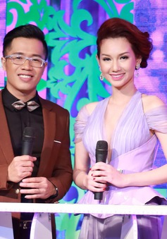Quỳnh Chi rạng rỡ trên sân khấu Sài Gòn đêm thứ 7