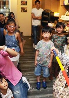 Lâm Chí Dĩnh mong con trai có tuổi thơ bình thường