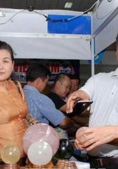 Khai mạc Hội chợ thương mại Việt - Lào