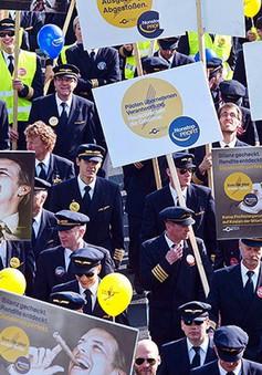 Không đạt thỏa thuận tăng lương, tiếp viên hàng không Lufthansa đình công