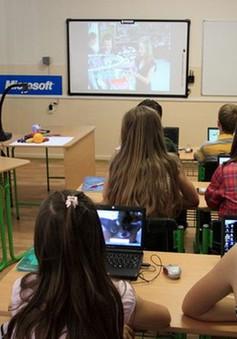 Dùng máy tính thường xuyên, học sinh sẽ xao nhãng học tập