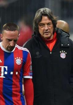 """Thua thảm FC Porto, bác sĩ của Bayern thành """"kẻ tế thần"""""""