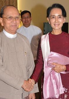 Tổng thống Myanmar Thein Sein gặp bà Suu Kyi bàn việc chuyển giao quyền lực