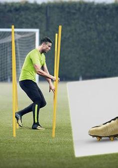 """Ronaldo quậy tưng bừng với """"vũ khí"""" mới"""