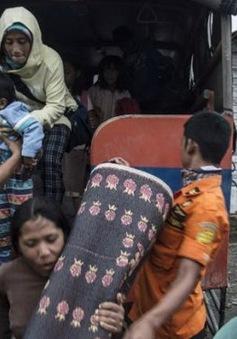 Indonesia sơ tán người dân do núi lửa phun trào