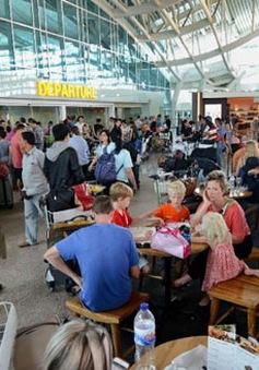 Indonesia ra lệnh đóng cửa sân bay trên đảo Bali do tro bụi núi lửa