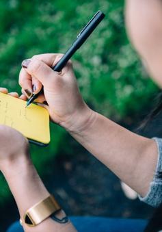 Độc đáo ốp 'giấy nhớ' dành cho iPhone
