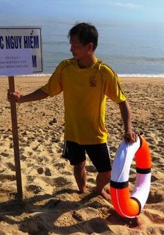 Phú Yên cấm tắm biển vì xuất hiện loài cá lạ