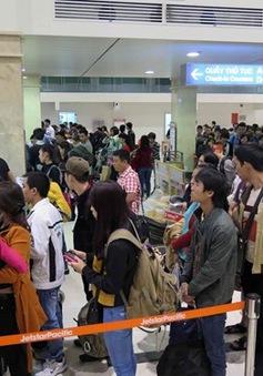 Quá tải nhiều dịch vụ tại sân bay Tân Sơn Nhất