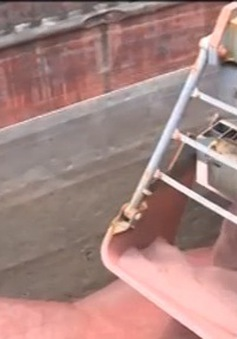Bắt đầu nhập khẩu quặng sắt quy mô lớn