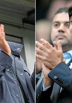 Sheikh Mansour dẫn đầu 10 ông chủ giàu nhất giải ngoại hạng Anh