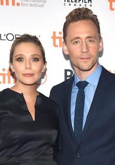 """LHP Toronto 2015: Cặp đôi """"phim giả tình thật"""" của Avengers xuất hiện tình tứ"""