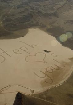 Ấn tượng bức thư khổng lồ gửi tới phi hành gia