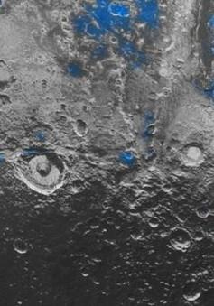 NASA phát hiện nước đóng băng trên sao Diêm Vương