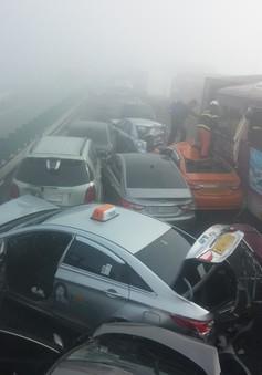 Tai nạn xe hơi liên hoàn tại Seoul (Hàn Quốc)