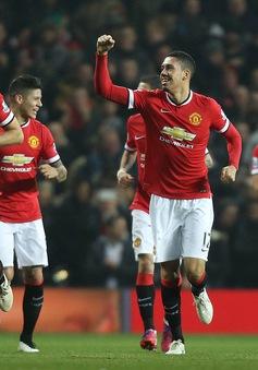 ĐHTB vòng 25 Premier League: Không thể thiếu Smalling