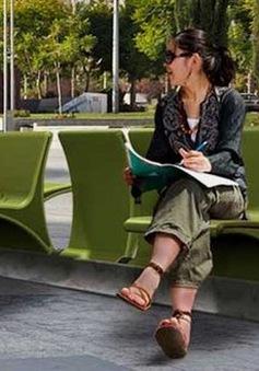 Ghế băng thông minh phục vụ nơi công cộng