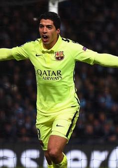 """UEFA """"ngó lơ"""" nghi án Suarez cắn người"""