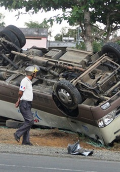 Lâm Đồng: Hai xe khách đối đầu, 18 người bị thương