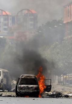 Taliban tấn công tòa nhà Quốc hội Afghanistan