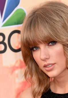 "Taylor Swift ""lẻ bóng"" tới iHeartRadio Music Awards"