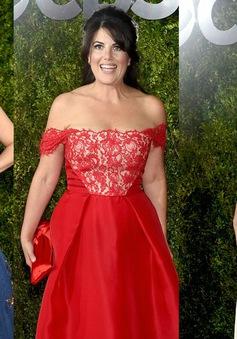 Sao nữ đua nhau khoe vai trần trên thảm đỏ Tony Awards 2015