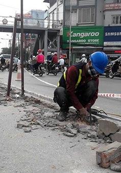 Hà Nội tháo dỡ rào chắn đường sai quy định