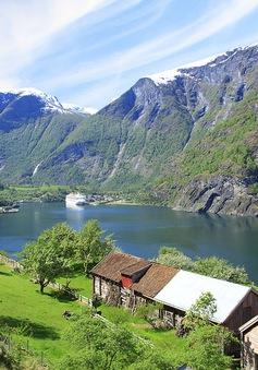 """""""Sững người"""" trước vẻ đẹp thiên nhiên mê hoặc ở Na Uy"""